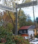 <h5>Thanks Lutz Heinemann/lokalkompass</h5><p>© &lt;a href=&quot;http://www.lokalkompass.de/recklinghausen/politik/mauerteil-im-berliner-viertel-re-hochlarmark-m2650410,489196.html&quot; target=&quot;_blank&quot; title=&quot;25 Jahre Mauerfall in Berlin&quot;&gt;&lt;/a&gt;Bild von Lutz Heinemann aus Beitrag &lt;a target=&quot;_blank&quot; href=&quot;http://www.lokalkompass.de/recklinghausen/politik/25-jahre-mauerfall-in-berlin-d489196.html&quot;&gt;25 Jahre Mauerfall in Berlin&lt;/a&gt; auf www.lokalkompass.de</p>