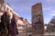 <h5>Thanks omroepzeeland.nl</h5><p>© Still aus &lt;a href=&quot;http://www.omroepzeeland.nl/nieuws/2014-11-09/764561/stuk-berlijnse-muur-zierikzee&quot; target=&quot;_blank&quot;&gt;TV Clip&lt;/a&gt; </p>
