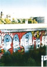 <h5>Thanks Bundeswehr</h5><p>Das Reston-Segment an seinem Ursprungsort 1987 in der Waldemar Straße/Kreuzberg. © &lt;a href=&quot;http://bundeswehr.de&quot; target=&quot;_blank&quot; &gt;Bundeswehr&lt;/a&gt;</p>